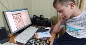 Севастополь сразился с Магаданом в онлайн-турнире по шахматам
