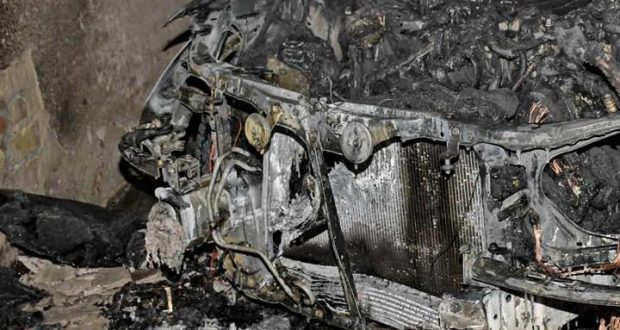 Поджог автомобиля в Ялте. Подозреваемый задержан. Оказалось - дело в ревности