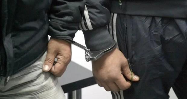 В Симферополе оперативники задержали подозреваемых в нападении на курьера