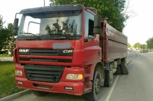 ДТП на выезде из Белогорска: не разминулись легковушка и грузовик