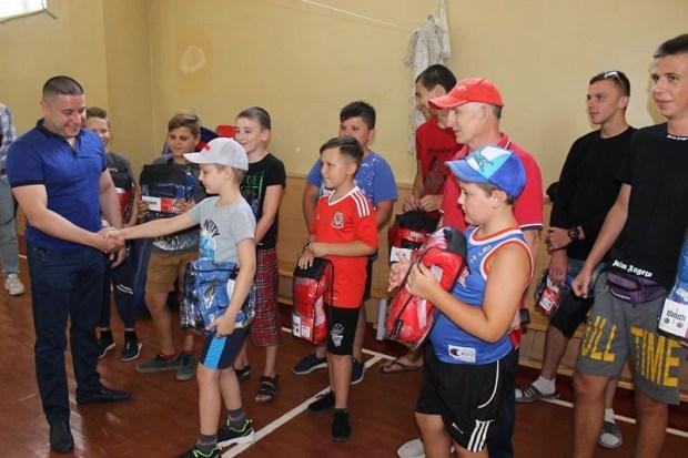 Севастопольская Федерация бокса устроила праздник для юных спортсменов ДЮСШОР 8 в Верхнесадовом