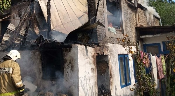 Под Алуштой горел частый дом