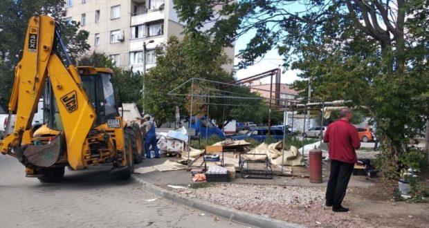 В Симферополе собираются снести полторы сотни объектов. И это не только ржавые гаражи