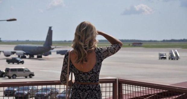 Кто поможет выбрать самые выгодные и недорогие билеты на самолет в Крым