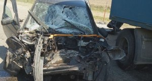 ДТП на автодороге «Нижнегорский – Белогорск». ВАЗ попал под КАМАЗ