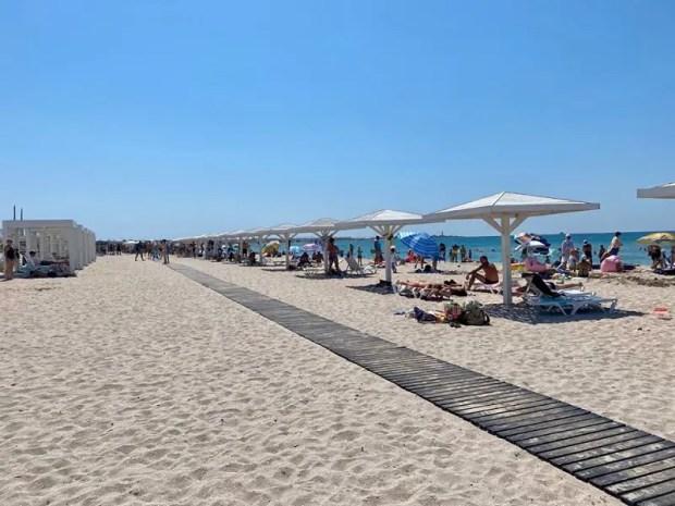 Какие они, пляжи в Черноморском районе Крыма