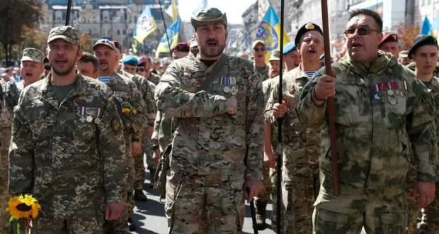 Зеленского призывают «Крым воевать»