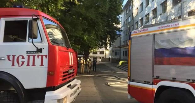 В Симферополе тушили пожар в общежитии Медицинской академии. Эвакуировали людей