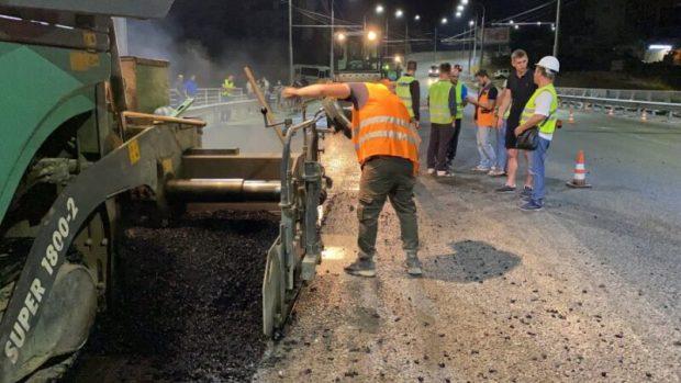 """В Севастополе мост через суходол на проспекте Гагарина """"одели"""" в асфальт"""