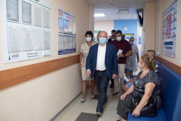 Врио губернатора Севастополя Михаил Развожаев нагрянул в Балаклаву. Говорит - проблем много