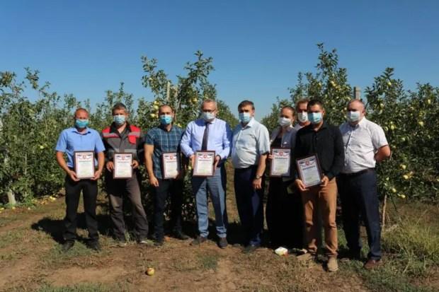 Крымские аграрии собрали 14 тысяч тонн плодово-ягодной продукции