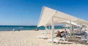 В курортной Оленевке все еще лето. Минкурортов Крыма проверило пляжи Черноморского района