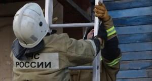 Крымские спасатели оказали помощь в открытии квартиры в Сакском районе