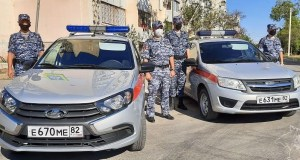 В Евпатории росгвардейцы задержали подозреваемых в квартирной краже