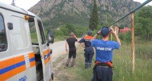«КРЫМ-СПАС» пришел на помощь женщине, сорвавшейся со скалы