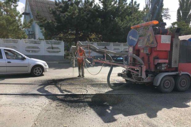 Октябрьский ямочный ремонт дорог и тротуаров в Симферополе: где и как