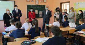 Министр просвещения РФ Сергей Кравцов посетил школу-лицей №3 имени А.С. Макаренко в Симферополе