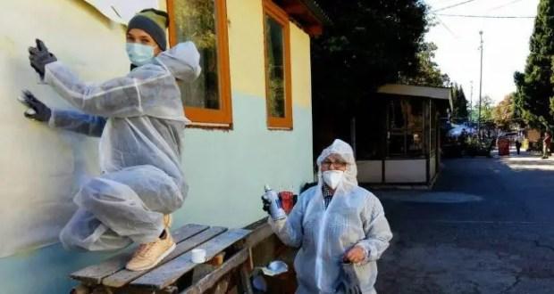 В Алупке появилось патриотическое граффити. К 100-летию дважды Героя Советского Союза Амет-Хана Султана