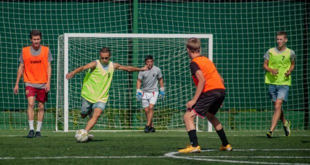 Молодёжный турнир по мини-футболу «Кубок губернатора Севастополя» в разгаре