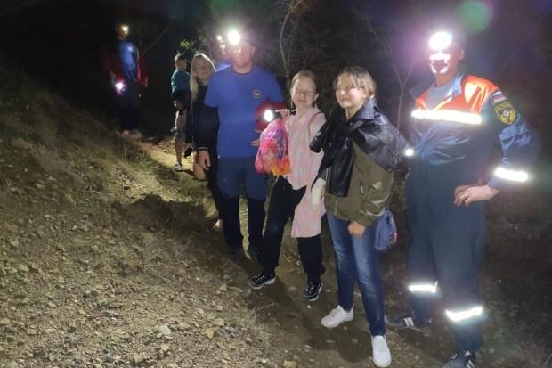 В субботу вечером-вечером-вечером… На «тропе Голицына» в Крыму спасали туристов