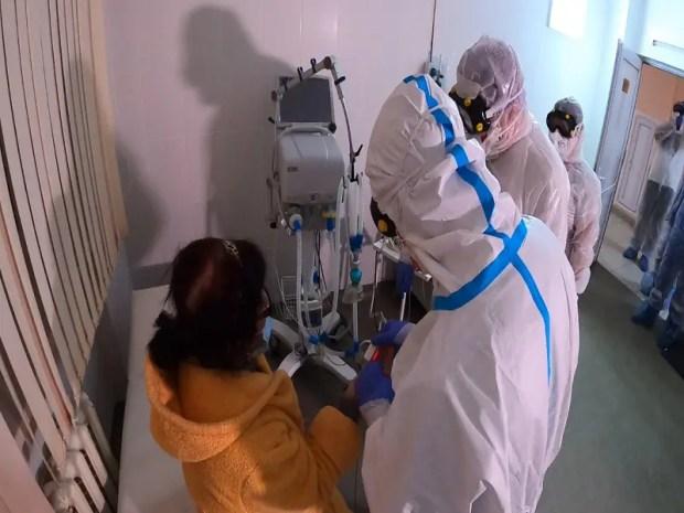 Министр здравоохранения Крыма Александр Остапенко приступил к работе в инфекционном госпитале