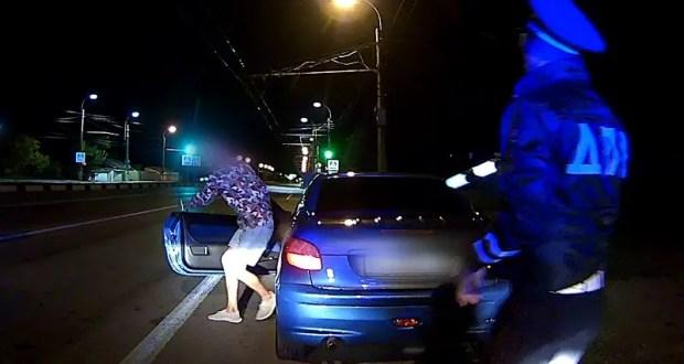 В Симферопольском районе инспекторы ДПС отстранили от управления автомобилем 19-летнего нетрезвого водителя
