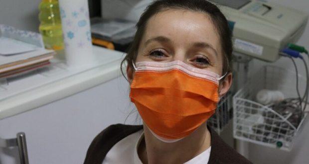 Достаем из шкафов и тумбочек маски. Без них теперь в Крыму ни в магазин, ни в троллейбус