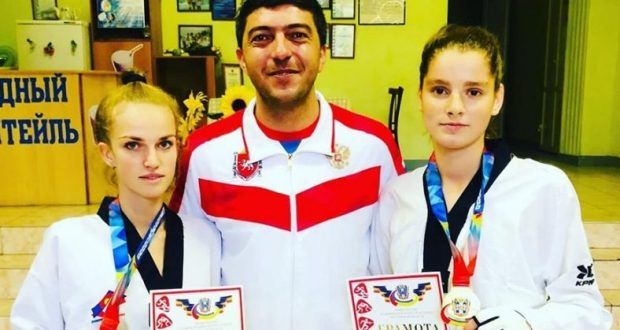 Спортсменки из Симферополя - победители чемпионата ЮФО по тхэквондо