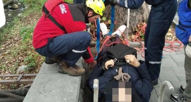 """Шёл, упал, познакомился со спасателями """"КРЫМ-СПАС""""... Происшествие в Ялте"""