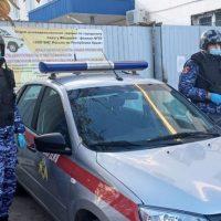Похулиганить захотелось: в Феодосии мужчина разбил зеркало авто скорой помощи