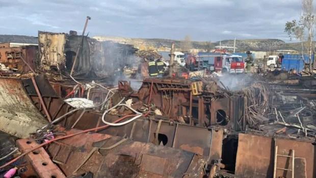 ЧП в Севастополе: на судне горел мазут