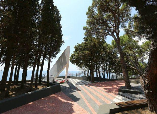 Для новых поколений артековцев будет возрожден монумент «Дружба детей мира»