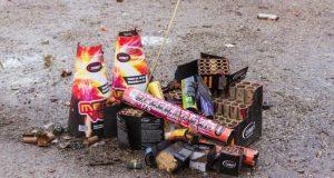 Медики Крыма предупреждают: фейерверки, петарды и гололёд - дело опасное