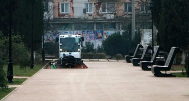 В Севастополе завершили благоустройство площади у ДКР и сквера Бузина