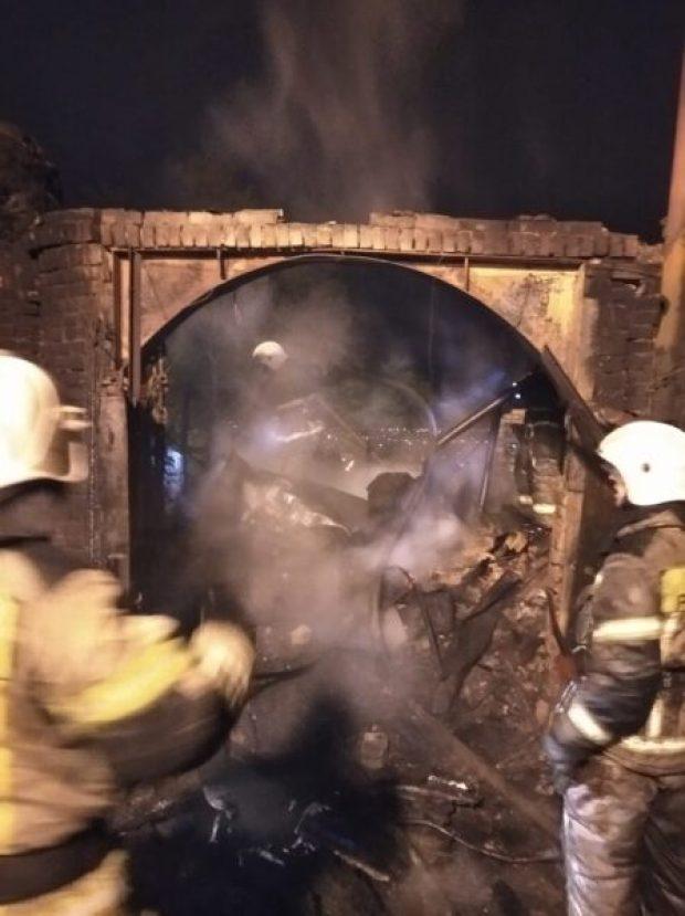 На пожаре в Керчи спасен человек