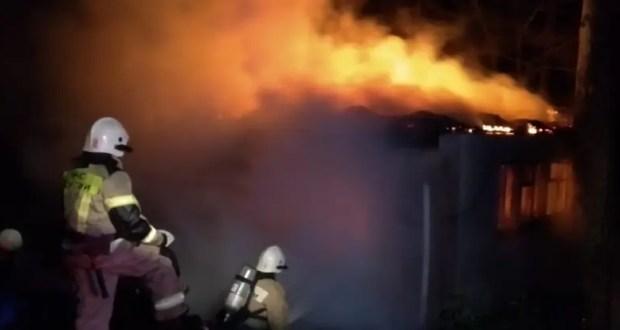 Пожар в Ленинском районе Крыма. Спасены два человека