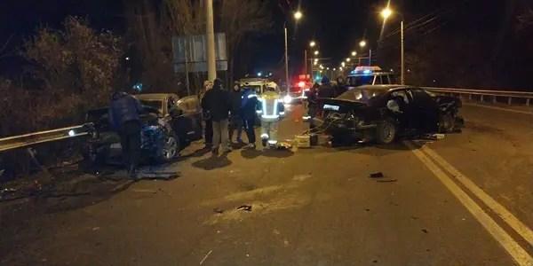 Вечернее ДТП в Перевальном, под Симферополем: двое пострадавших