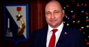 Председатель Заксобрания Севастополя Владимир Немцев поздравляет с Новым годом
