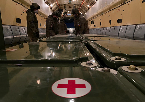 Самолеты Минобороны вылетели в Симферополь. Военные готовы развернуть «ковидные» госпитали в Крыму