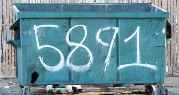 В Симферополе коммунальщики ежедневно ликвидируют с десяток мусорных свалок