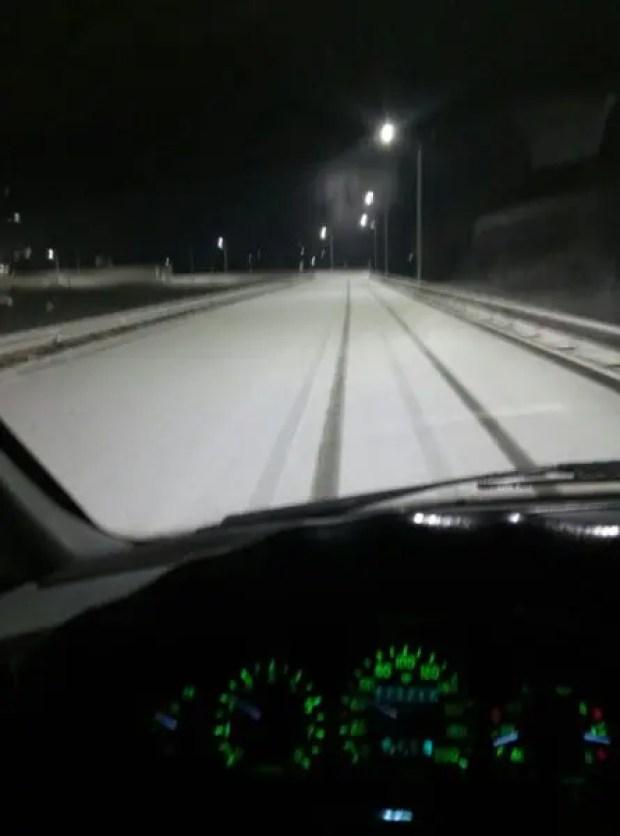 МЧС Крыма: основные расчищены дороги, но осторожность соблюдать водителям надо