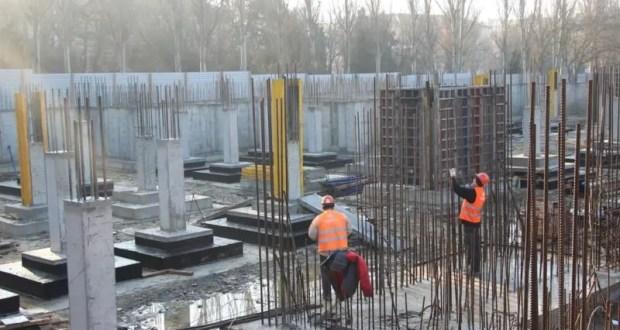 В Керчи продолжается строительство детского сада