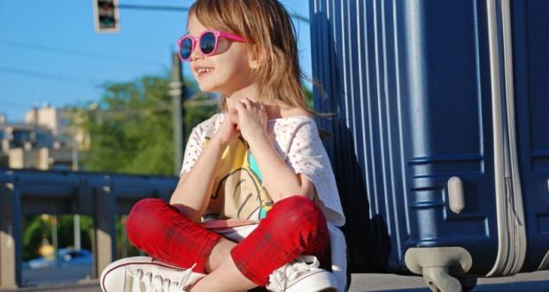 Правительство РФ предлагает упростить снятие запрета на выезд ребенка за рубеж