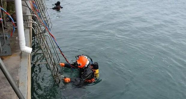 В районе Севастополя водолазы Черноморского флота провели погружения на глубину до 60 метров