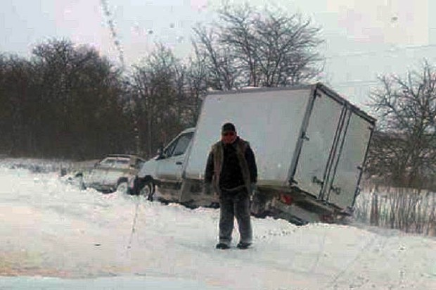 Крым в снежном плену: хоть и готовились к непогоде, но оказались не готовы