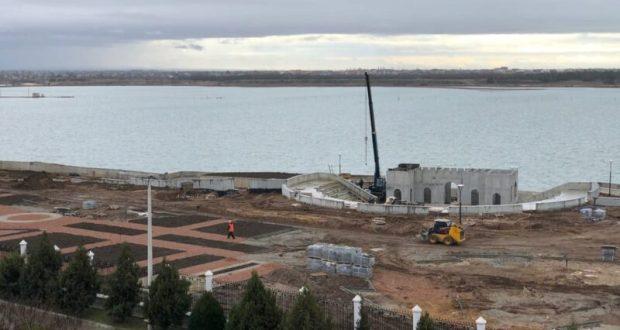 В Крыму проверили строительство объектов в рамках ФЦП в Сакском районе и Евпатории
