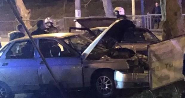 Вечернее ДТП в Керчи: два человека госпитализированы