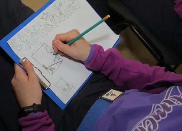 В «Артеке» рисуют комиксы на тему «Читать – модно!»