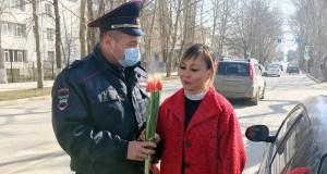 Крымская полиция провела акцию «8 марта – в каждый дом»