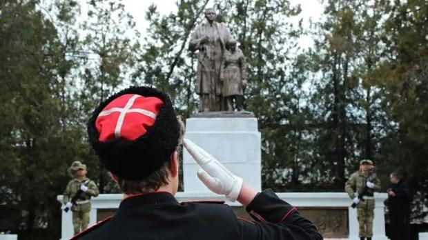 В Симферополе отмечают 77-ю годовщину со Дня освобождения города от фашистских захватчиков